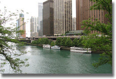 (picture of Chicago river)